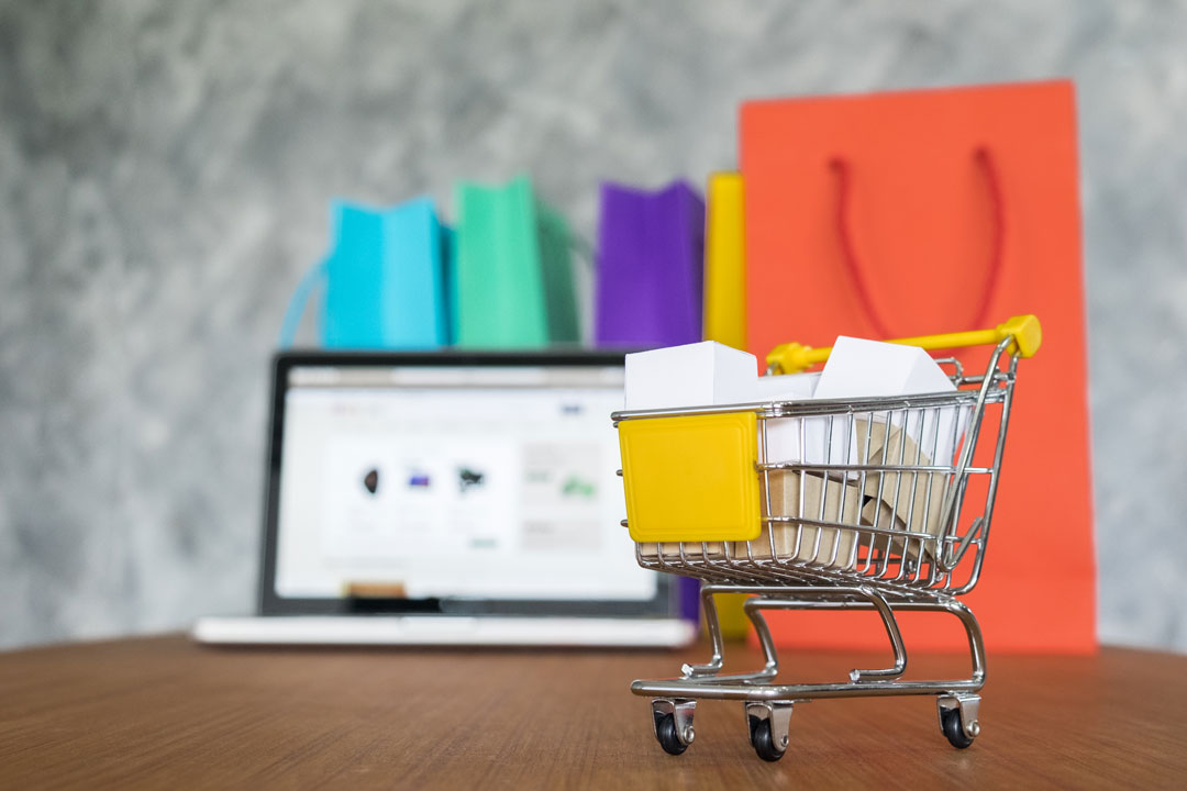 banner fashion media ecommerce